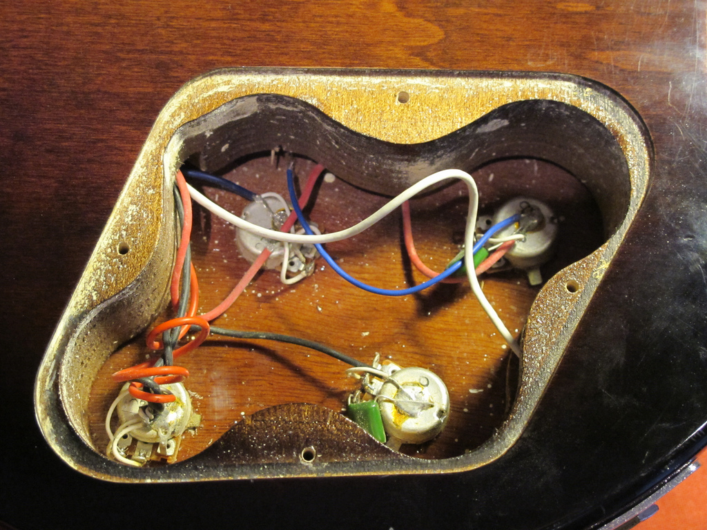 Les Paul wiring - before
